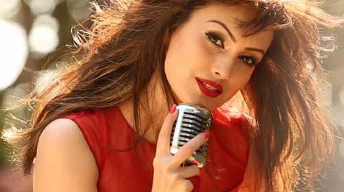 Nisha Rawal Valentinc 2016
