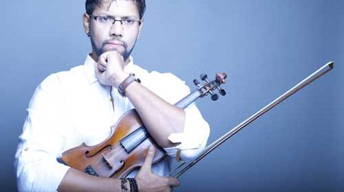 Sandeep Thakur encourages youth to learn to play violin