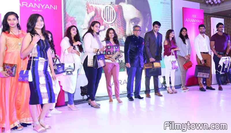 Haresh Mirpuri with models