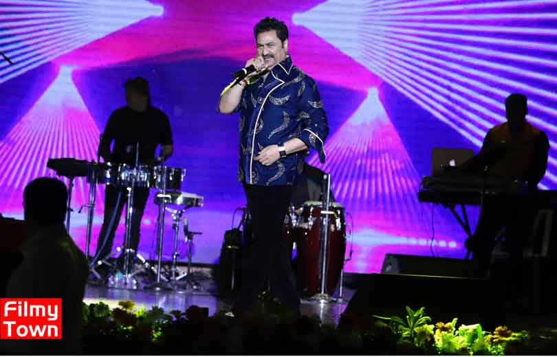 Kumar Sanu live performance in Mumbai