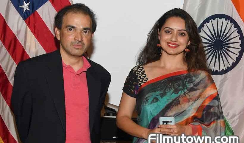 Dr Ravi Godse with Shruti Marathe