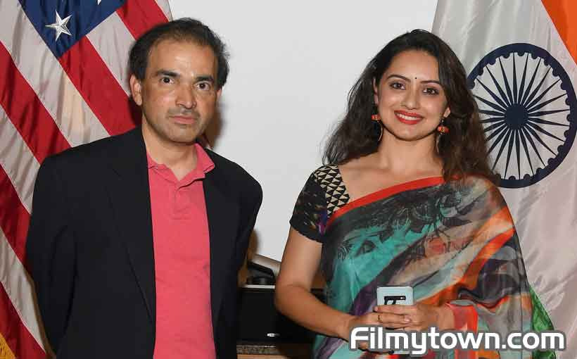Dr Ravi Godse with Shruti Marathe