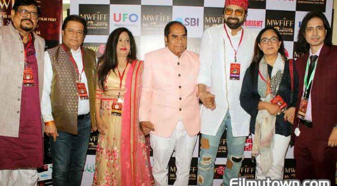 Anup Jalota, Jaspinder Narula at Moonwhite Films International Film Fest 2019