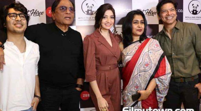 Shaan launches Hiroo Thadani's Unko Apne Kareeb Dekha Tha