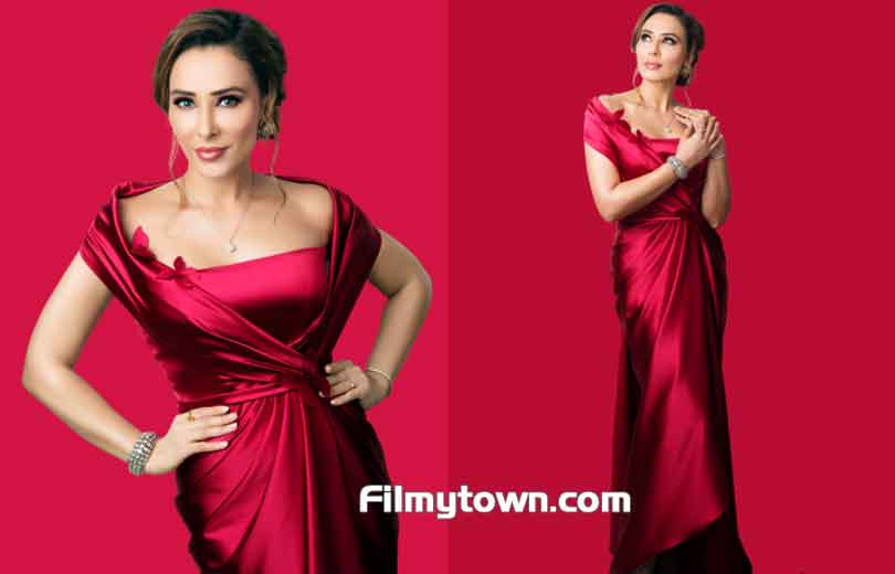 Iulia Vantur poses for Sharat Chandra