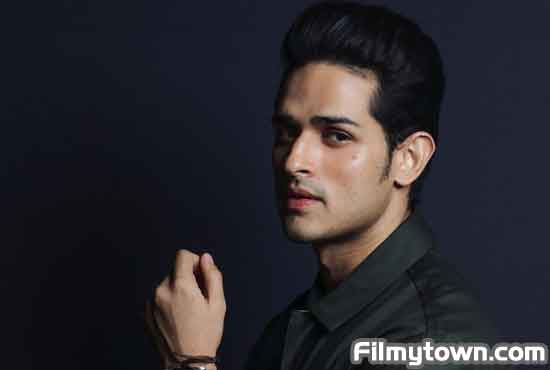 Priyank Sharma in MumBhai
