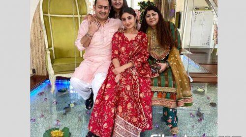 Dhwani Bhanushali celebrates Diwali with her family
