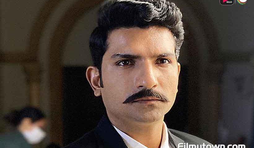 Jatin Sarna as ACP Abhimanyu in Dark 7 White