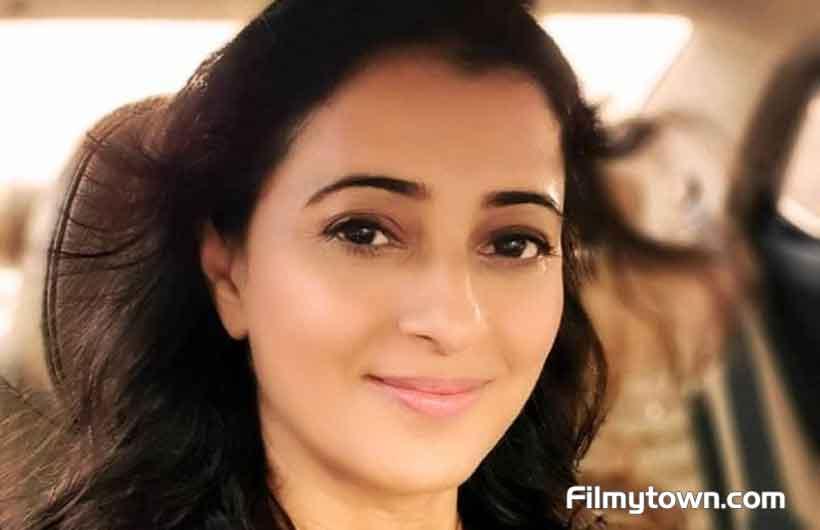 Reena Kapoor plays the mother in Ranjhu Ki Betiyan
