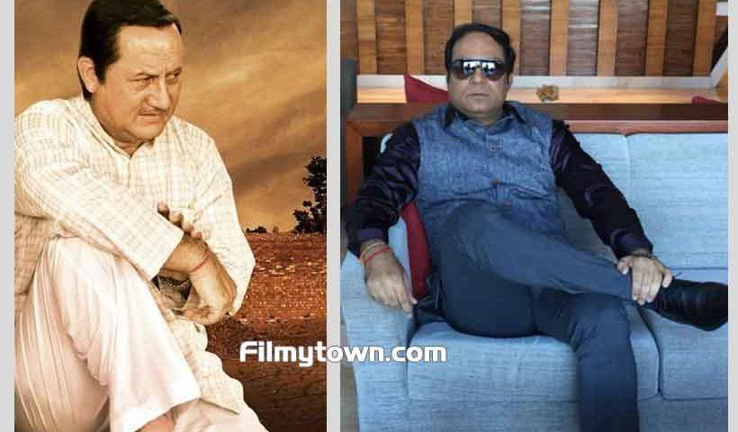 Anupam Kher, Vivek Dixit