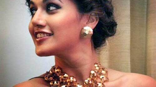 Taapsee-Pannu-Accessories2