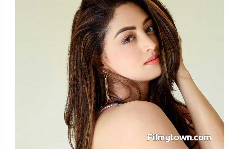 Sandeepa Dhar in Alt Balaji-Zee5 webseries MumBhai