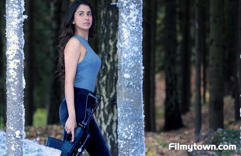 Malvika Raaj debuts in Bollywood with Squad