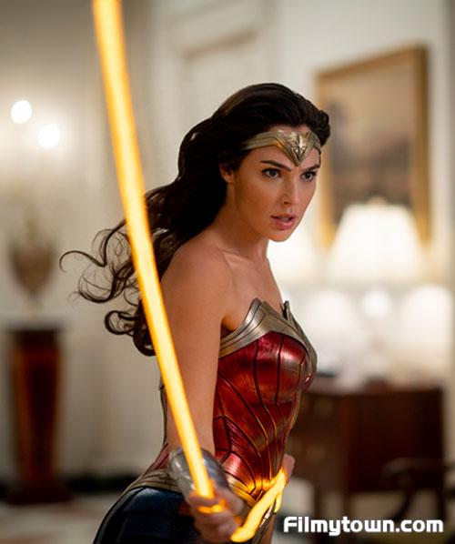 Wonder Woman 1984 movie review