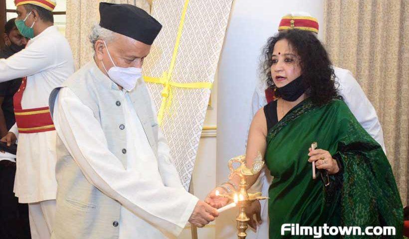 Shalini Shah with Governor Bhagat Singh Koshyari