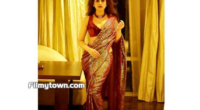 Fashion icon Shraddha Das – Delightful in a Saree